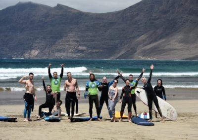 Grupo surfistas